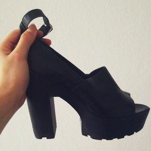 Forever 21 Black High Heels Size 10